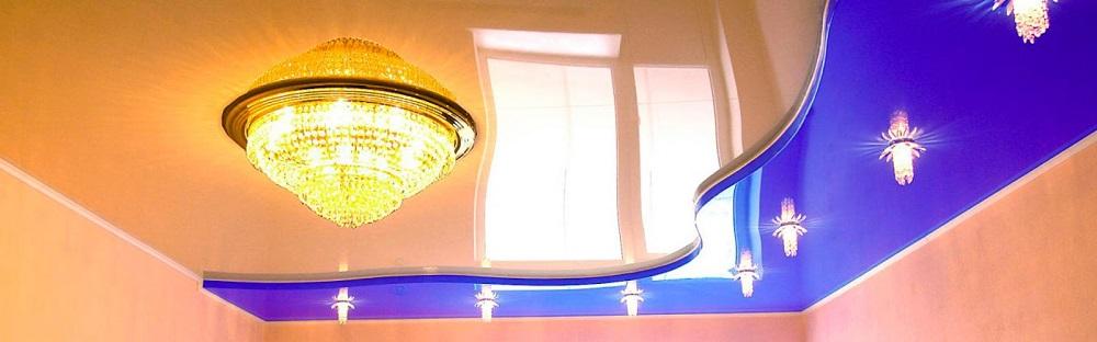 чем отличаются светильники для натяжных потолков